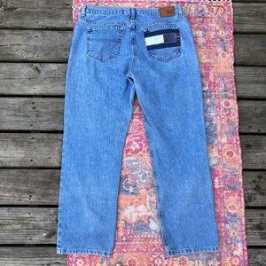 Vintage Tommy Hilfiger light wash boyfriend jeans